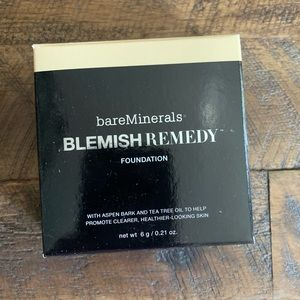 BARE MINERALS blemish remedy foundation